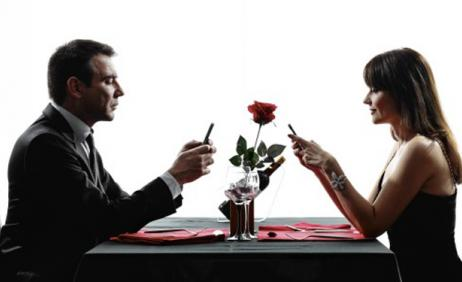 Yes, men should pay for everything or he won't take his dining partner seriously