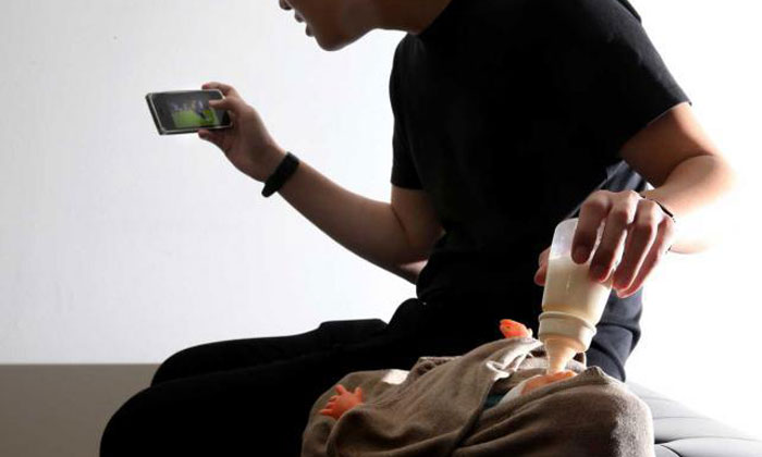 Dad who was too engrossed in mobile game while feeding baby who choked: 'Nobody knows how I feel'