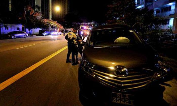 Geylang Serai residents rush to help victims of 3am car crash