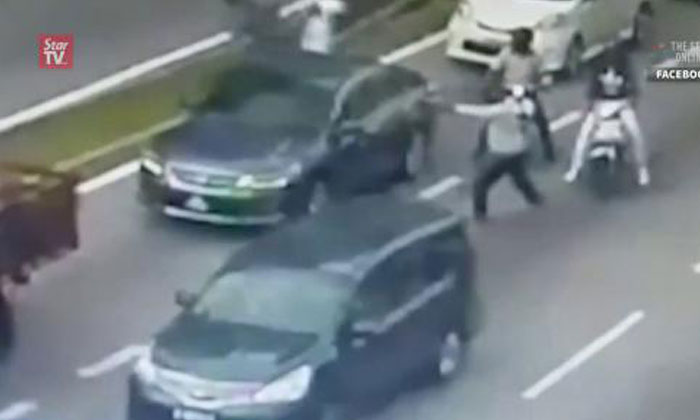 Shocking video shows man shot to death 16 times in broad daylight near KL mall
