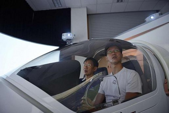 Teens in S'pore get pilot licence -- even before they can drive