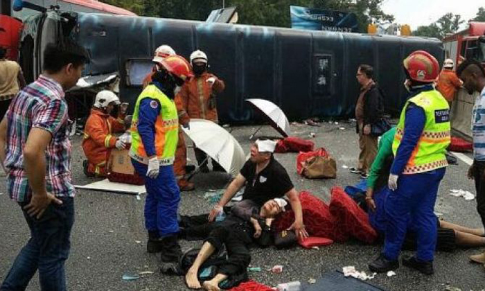 S'poreans in Genting tour bus crash discovered their luggages and valuables were missing after accident