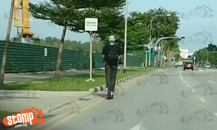 Scooter rider travels at close to 60 km/h along Tampines Ave 9