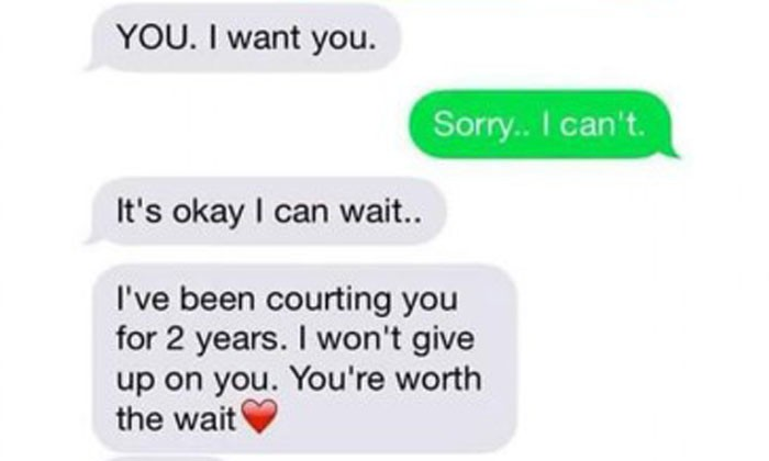 Guy pursues girl for two years despite knowing she has cancer -- and their texts will rip your heart out