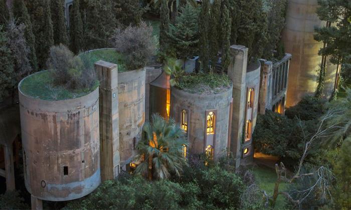 In 1973, Spanish architect Ricardo Bofill purchased a WWI-era cement factory near Barcelona