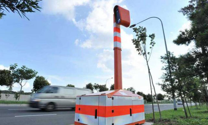 The mobile speed camera at Seletar Link. Koo Kwok En was given jail term and a fine for taking part in an illegal race along Seletar Link in May 2015. Photo: ST