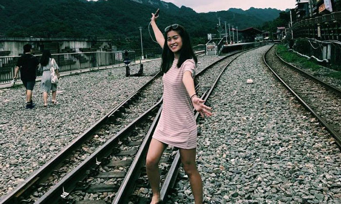 Miss Kathy Ong was a rear-seat passenger in a taxi with three other friends when it was involved in a collision with a car on April 19, 2018. PHOTO: FACEBOOK/KATHY ONG