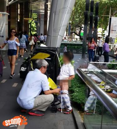 Man lets boy pee in a bottle -- right outside Paragon ...