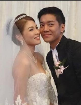 Lai lok yee wedding dresses