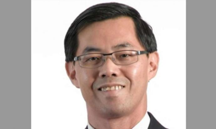 Er Meng Joo, a full professor in electrical and electronic engineering, stole items worth $225.15 in all from an NTUC FairPrice outlet in January 2016.PHOTO: NTU WEBSITE