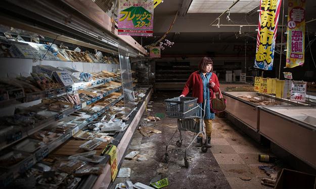 Fukushima's former residents return home for emotional photoshoot