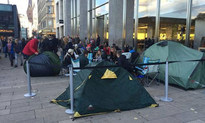 Fans in other countries go as far as 'camping out' to get the new iPhone 6S