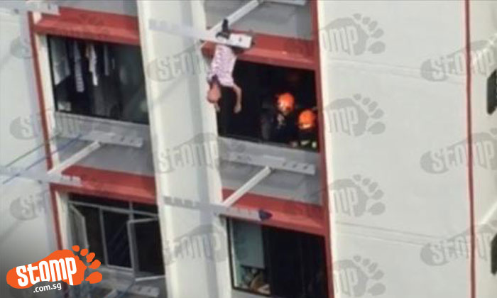 Elderly man rescued from clothes rack at Tampines Blk 410: Police arrest him for attempted suicide