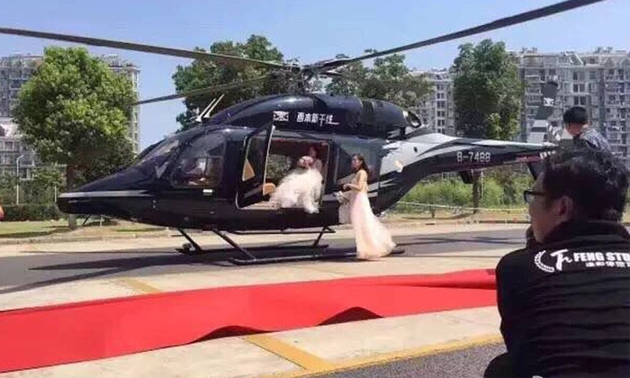 Wealthy Shanghai couple shuts down entire road for wedding and causes traffic jam