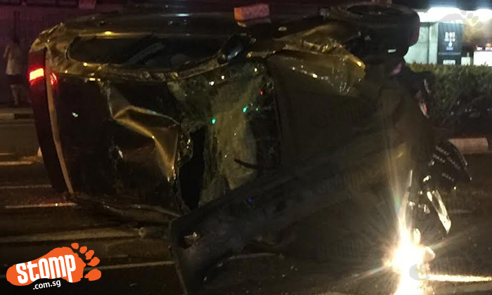 Car badly smashed after accident at Bendemeer Rd