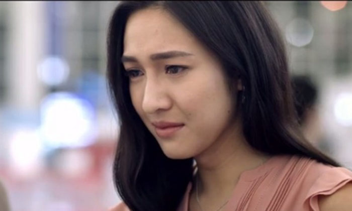 Watch how young professionals discover love and life through handling difficult case at work