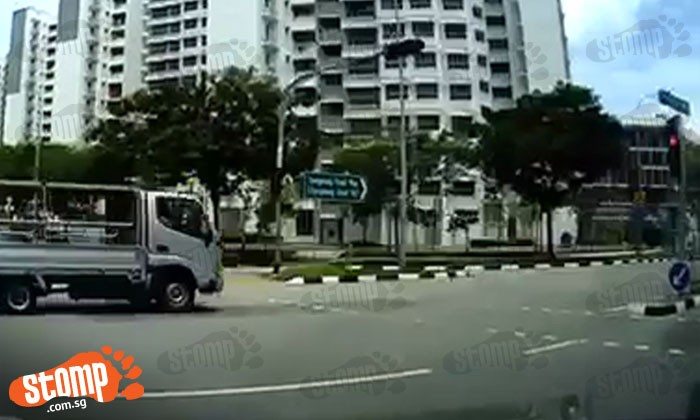 Zero regard for safety: Watch lorry driver beat red light, nearly causing accident