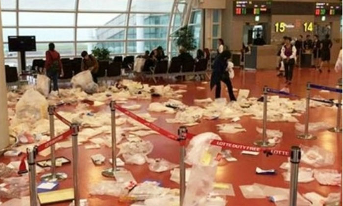 Chinese tourists trash Jeju airport departure hall with ungodly amount of packaging from duty-free purchases