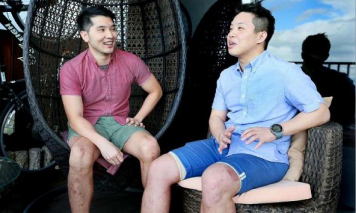 Meeting Mr Lim (left), who underwent a long period of recovery after his accident in Phnom Penh, gave Mr Suen (right) hope that he can also recover from his traumatic injuries and live life to the fullest. Photo: Jonathan Choo (The Straits Times)