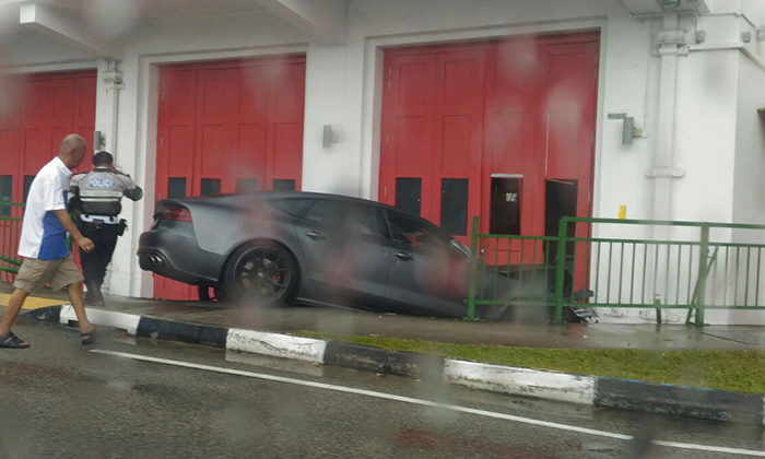 Car crashes into Uber headquarters at Paya Lebar Rd - Stomp