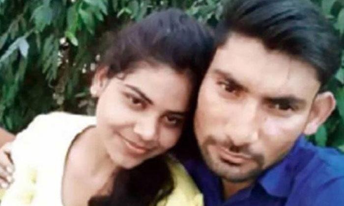 Rachna Sisodia with husband Devesh Chaudhary. Photo: Facebook screengrab