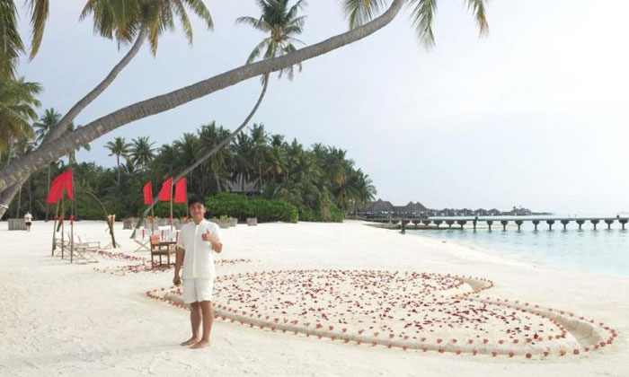 While interning at the Maldivean luxury resort Gili-Lankanfushi, Mr Kirwin Lee had to work barefoot. PHOTO: REPUBLIC POLYTECHNIC