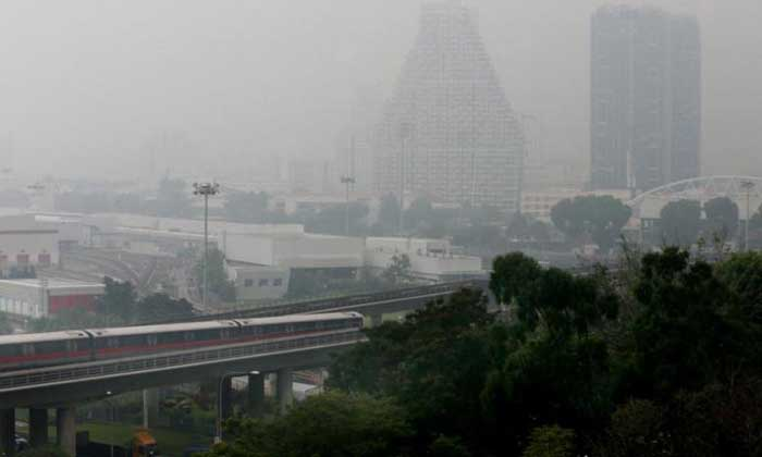 Haze shots from Blk 333 Bishan at 7am. PHOTO: THE STRAITS TIMES
