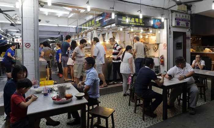 Two groups of customers wreaked havoc at Heng Long Teochew Porridge on July 24, 2017. Photo: The Straits Times