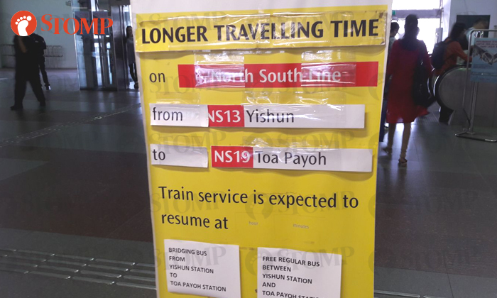 Sign put up at Woodlands MRT to alert commuters of the longer travelling time between Yishun and Toa Payoh