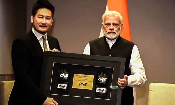 NE Championship Chairman and CEO Chatri Sityodtong (left) with Prime Minister of India Narendra Modi (right)