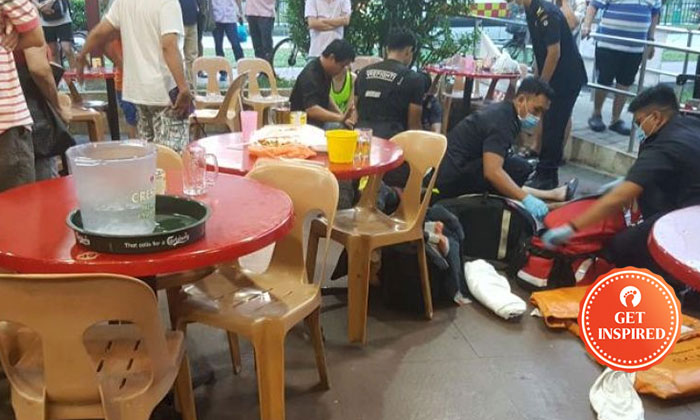 Navy serviceman Mark Lim, 32, performed cardiopulmonary resuscitation (CPR) for seven minutes to revive the woman. She was unconscious when she was taken to Khoo Teck Puat Hospital by the SCDF. PHOTO: LIANHE WANBAO