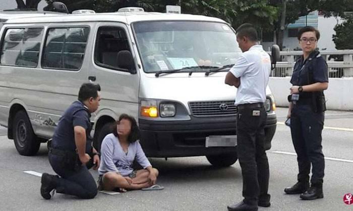 Woman Blocks Van While Naked At Bendemeer Road Before -1554