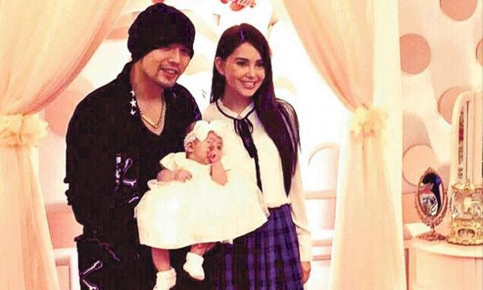 Jay Chou not happy after wife Hannah Quinlivan