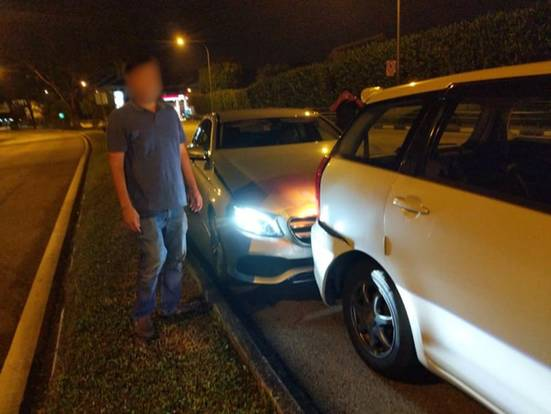 Mercedes driver allegedly 'smelling of alcohol' flees ...