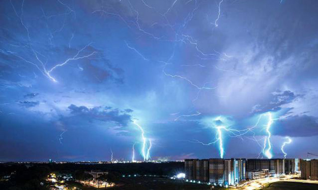 Photographer's lightning image taken in Sembawang electrifies social media and earns praise from PM Lee