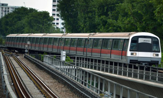 40-minute disruption after lightning strikes MRT train between Yio Chu Kang and Khatib Station